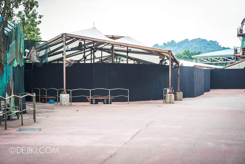 Universal Studios Singapore Park Update - Halloween Horror Nights 8 haunted house construction update