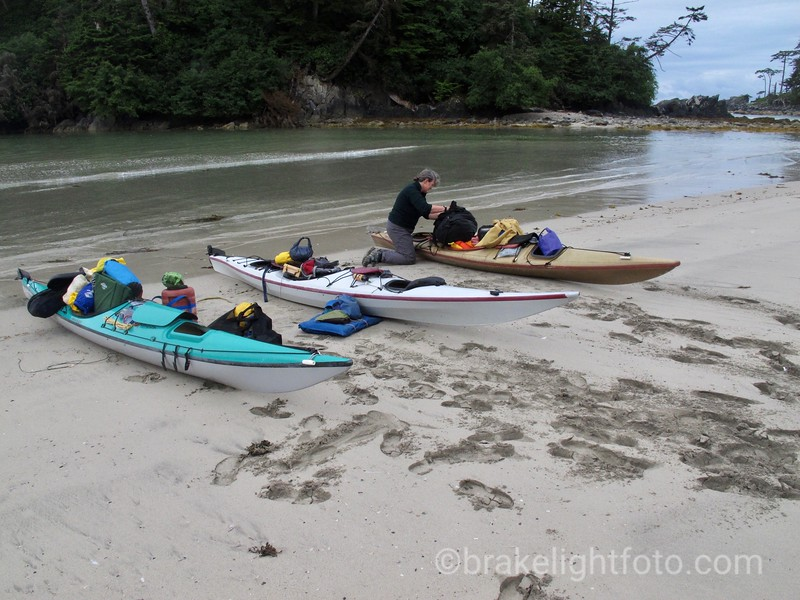 Loading Kayaks at Lepas Bay