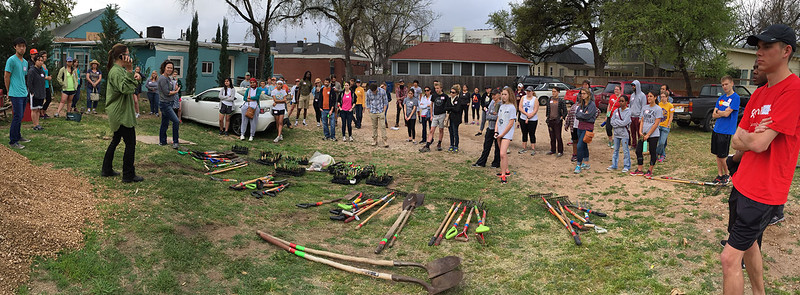 Volunteers gathered on a dig-in morning ready to go out and garden.