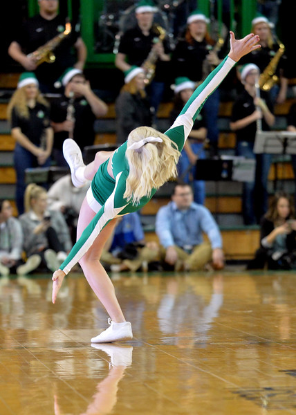 cheerleaders4848.jpg