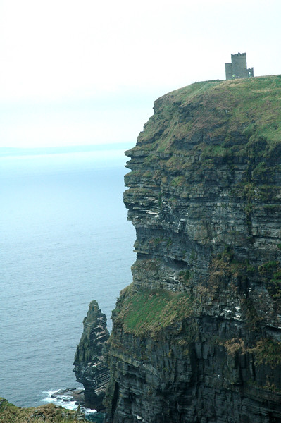Cliffs of MaharIreland08.jpg