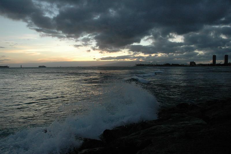Hawaii - Ala Moana Beach Sunset-108.JPG