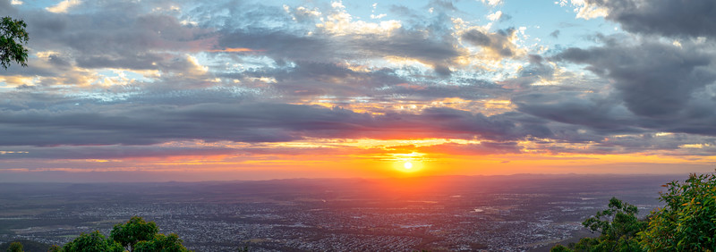Sunset over Rockhampton seen from the lookout in Mt Archer national park 01-03-2019