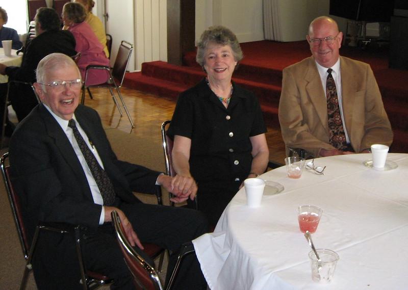 Bishop's Visit 2007 012.jpg