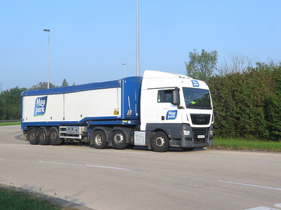 UTTOXETER A50 LORRIES SEPT 20 CORONA