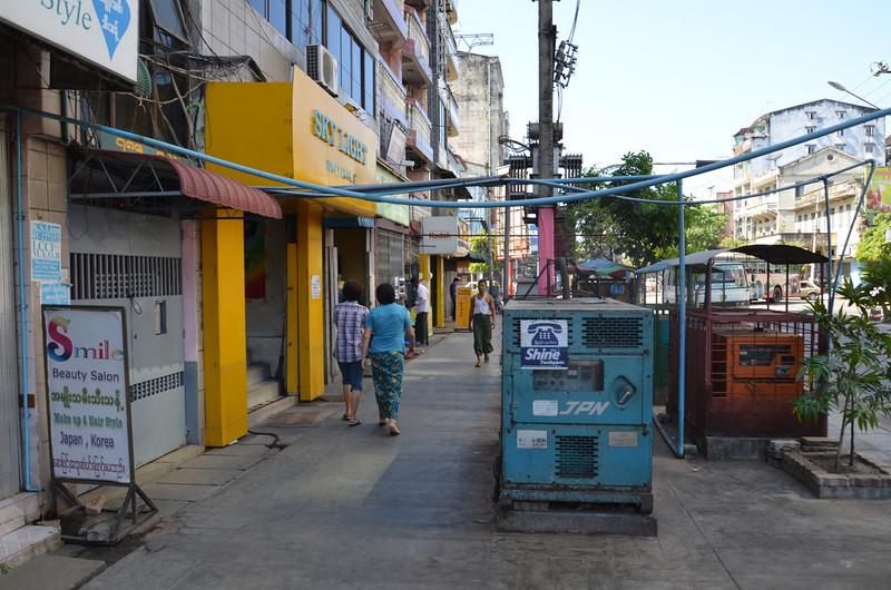 DSC_3659-street-generators.JPG