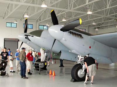 2013-05-Warbirds-VA-Beach-De-Havilland-Mosquito