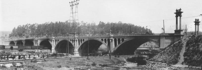 1918, North Broadway Street Bridge