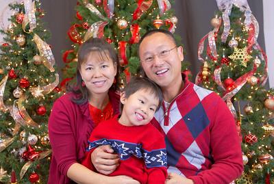Family Portraits Station B 2015-12-06