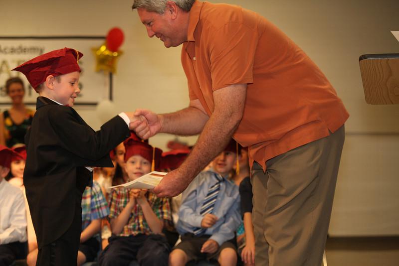 2012May18_MTA Kinder Grad_9713.JPG