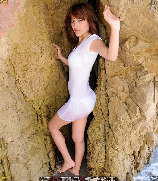 beautiful woman swimsuit model bikini malibu 200.234.jpg