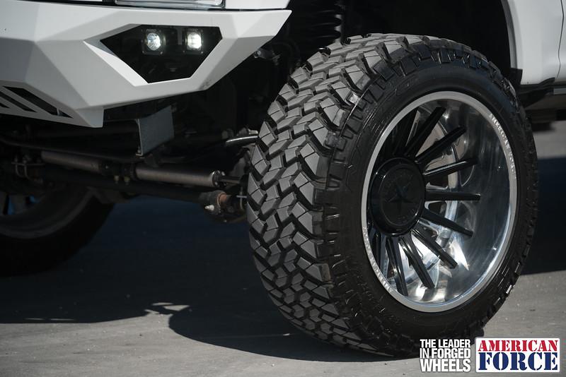 Champion4x4-Juan.S-White-2017-Ford-F250-Polish-Black-24x14-Tactical-Crown-WEB-180131-DSC00001-1.jpg