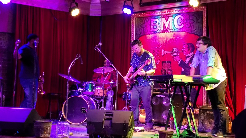 20190613 New Orleans Phone Live Music Videos 009.MP4