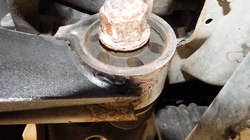 Front O mount split