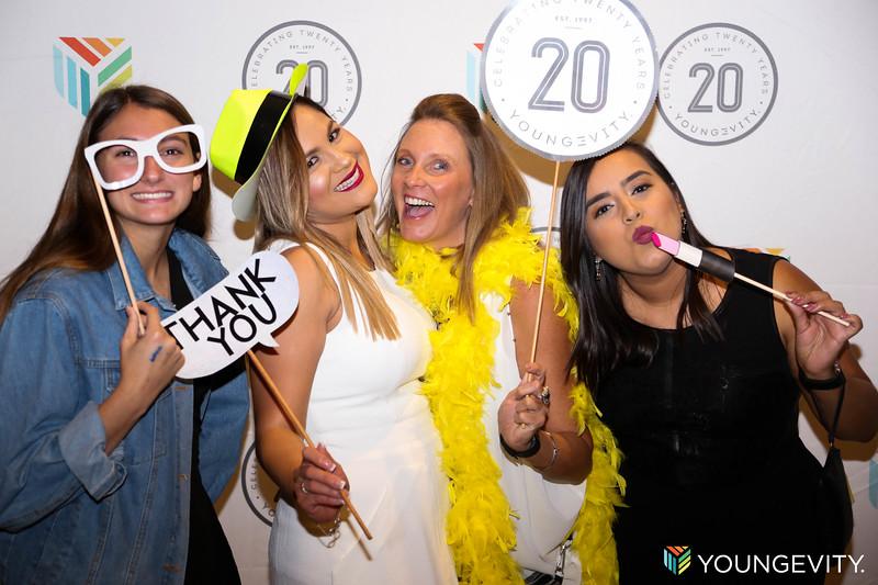 08-19-2017 Glow Party ZG0089.jpg