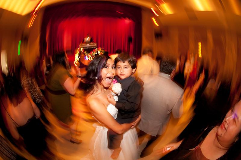 2011-11-11-Servante-Wedding-793.JPG