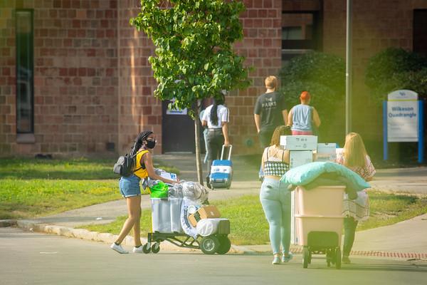 210331 Campus Living, Student Life, Move in Ellicott Complex