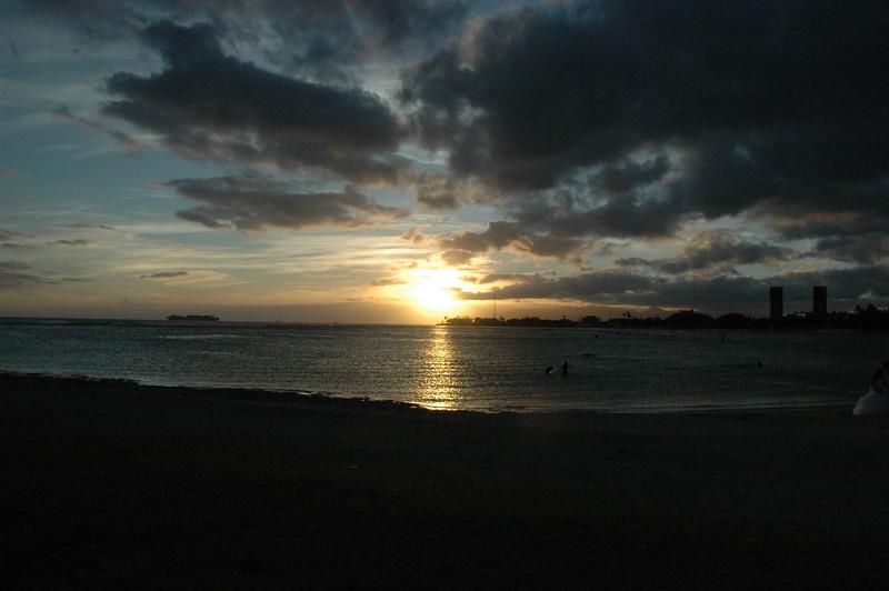 Hawaii - Ala Moana Beach Sunset-20.JPG