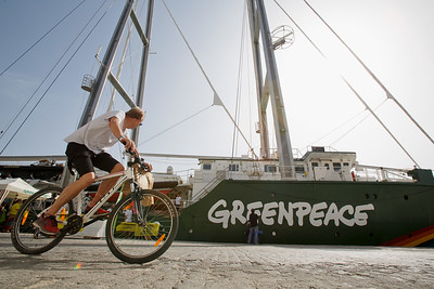 Visita Rainbow Warrior a Málaga