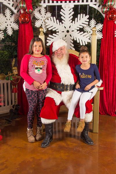 Santa 12-16-17-138.jpg