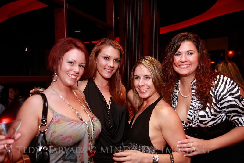Marie (L), Raven, Ashley & Jenn (R)