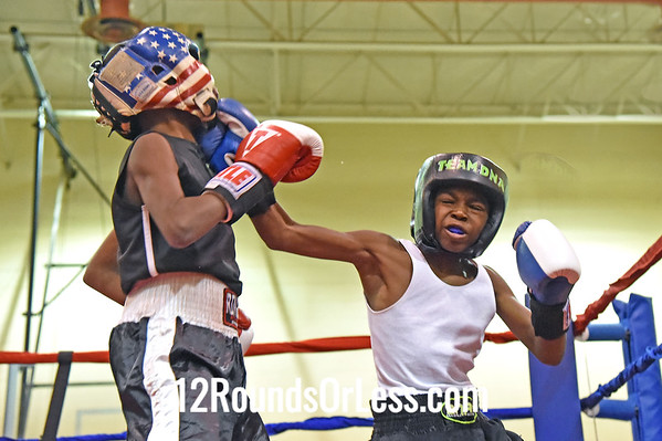 Bout 2 Glenn Grisby, Cleveland, Blue Gloves -vs- Robert Guest, Zanesville, Red Gloves, 75 Lbs.
