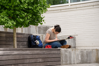Art Student in RSRCA Courtyard