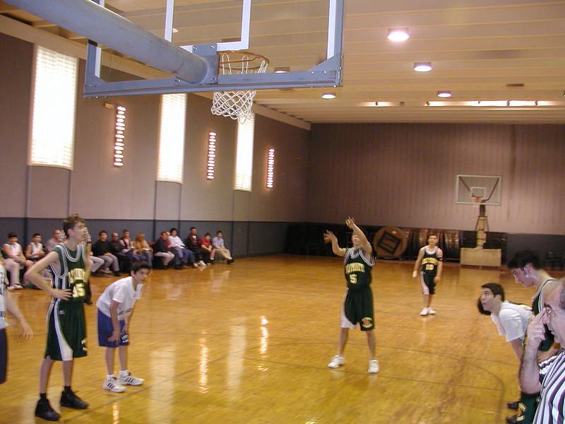 2003-02-21-Holy-Cross-Bball-Tournament_007.jpg