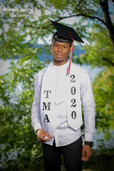 Jonathan Saravia'Graduation Photos