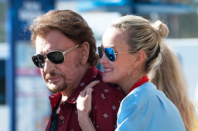 Johnny Hallyday, Laeticia, Joy, Jade and friend for a brunch