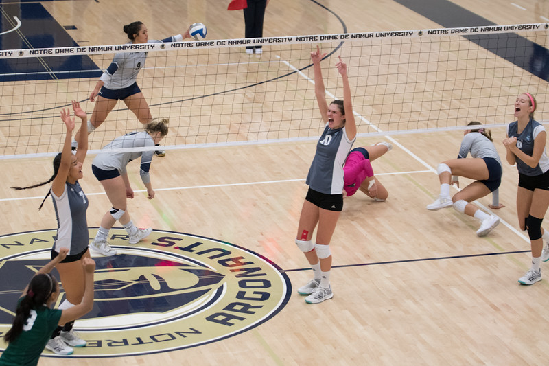 HPU Volleyball-93179.jpg