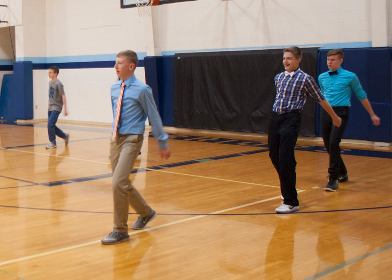 frosh-linedancing-P5-2016_22.jpg