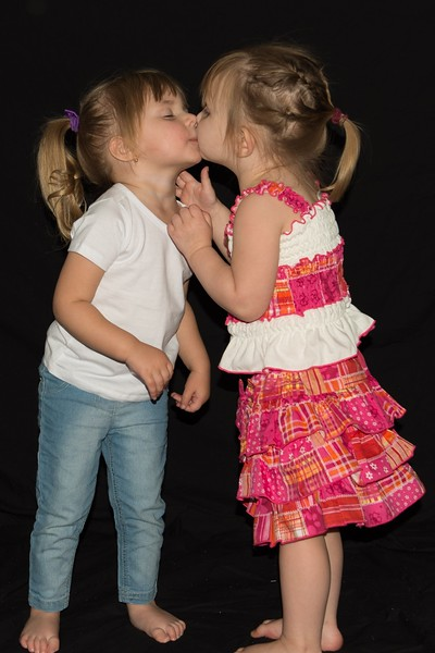 Kissing cousin's