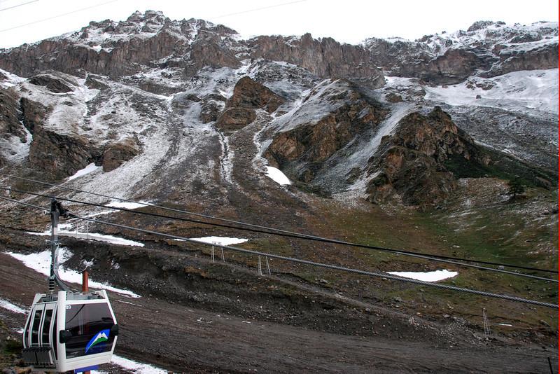 080501 1263 Russia - Mount Elbruce - Day 1 hiking up to Refuge No 11 _E _I ~E ~L.JPG