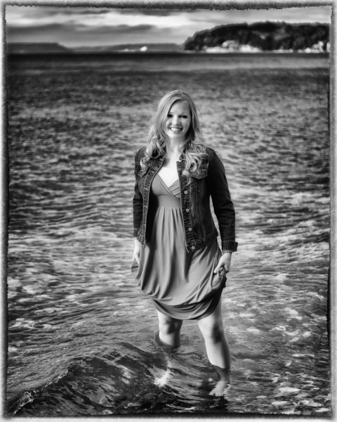 Kendra_Amy_Senior_Portraits_20110921_0617-Edit-Edit.jpg