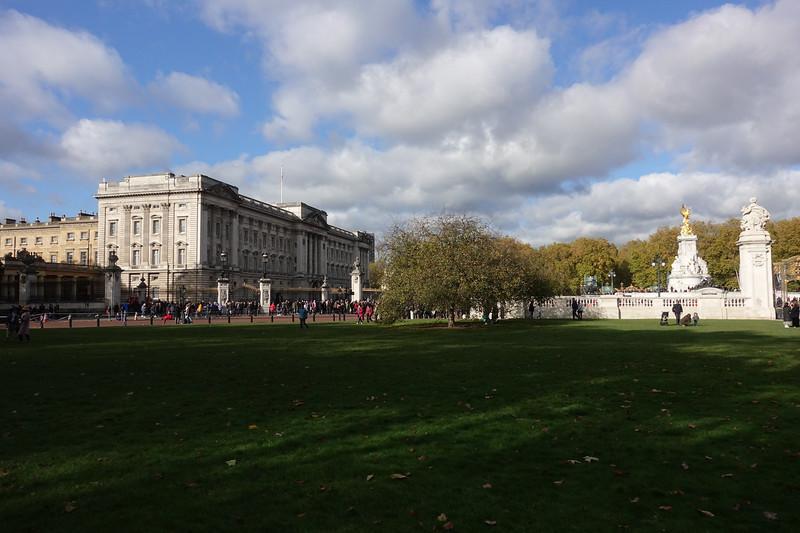 Buckingham Palace_London Tour_GJP01207.jpg