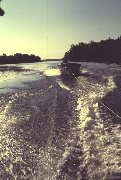 b_boat_in_tow04.jpg