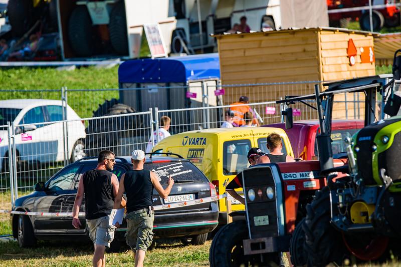 Tractor Pulling 2015-01577.jpg