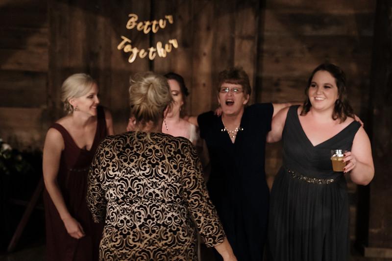 rustic_ohio__fall_barn_wedding-448.jpg