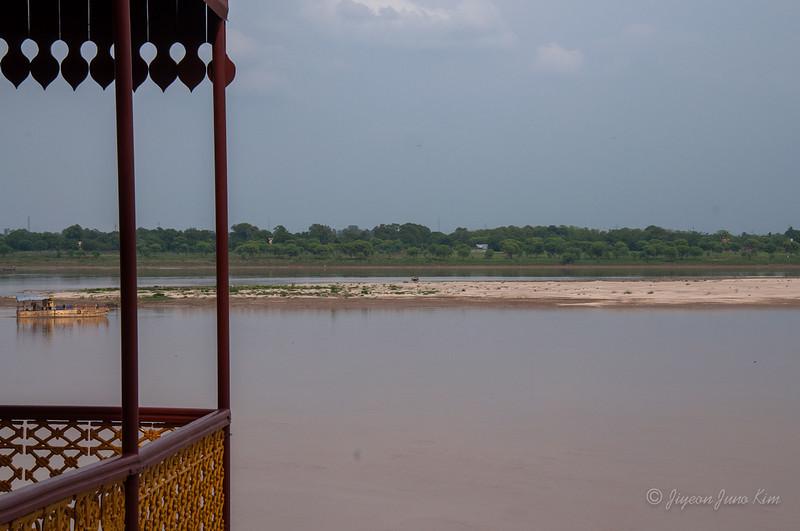 India-Varanasi-6786.jpg