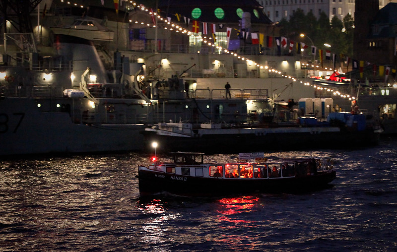 Barkasse Hansa zwei auf der Elbe Hafengeburtstag Hamburg