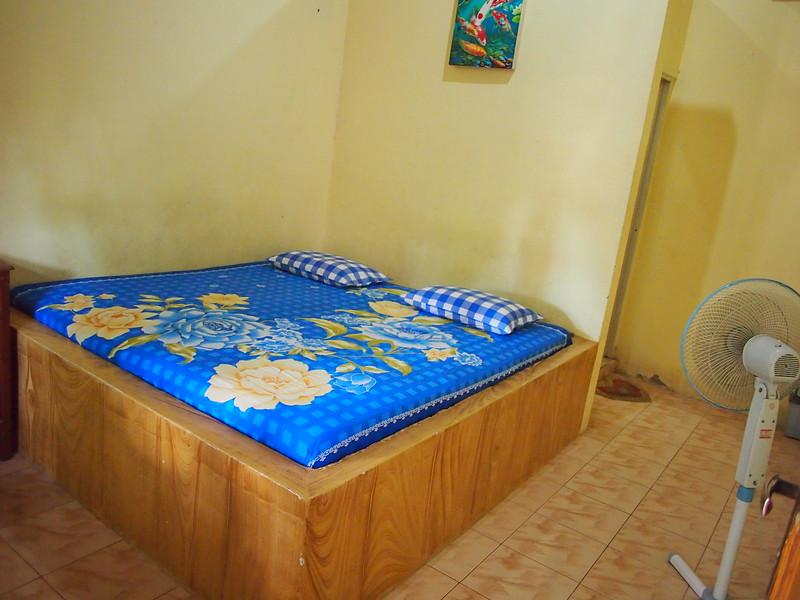 P9099091-riswan-bedroom.JPG