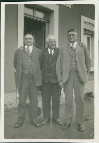 1920_George_E02-01.jpg