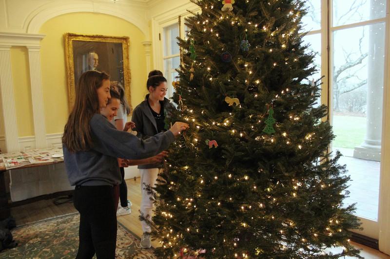Ornaments-Choate House 027.JPG