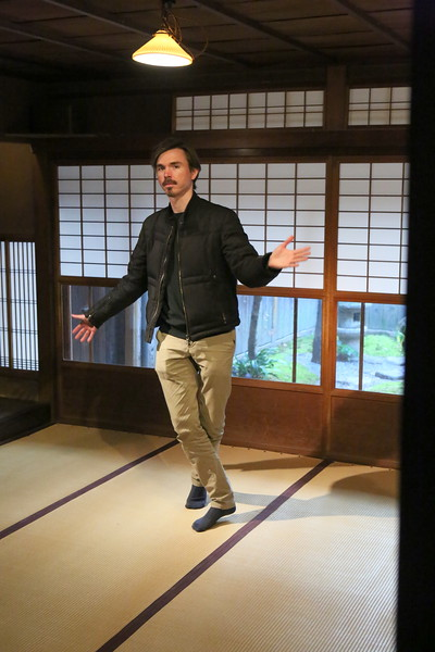 David performs a .....not so traditional Japanese dance (?)