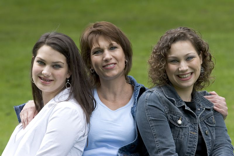 Family_T003.jpg