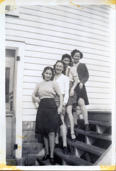 Aunt Julia, aunt Lil and aunt Donna.jpg