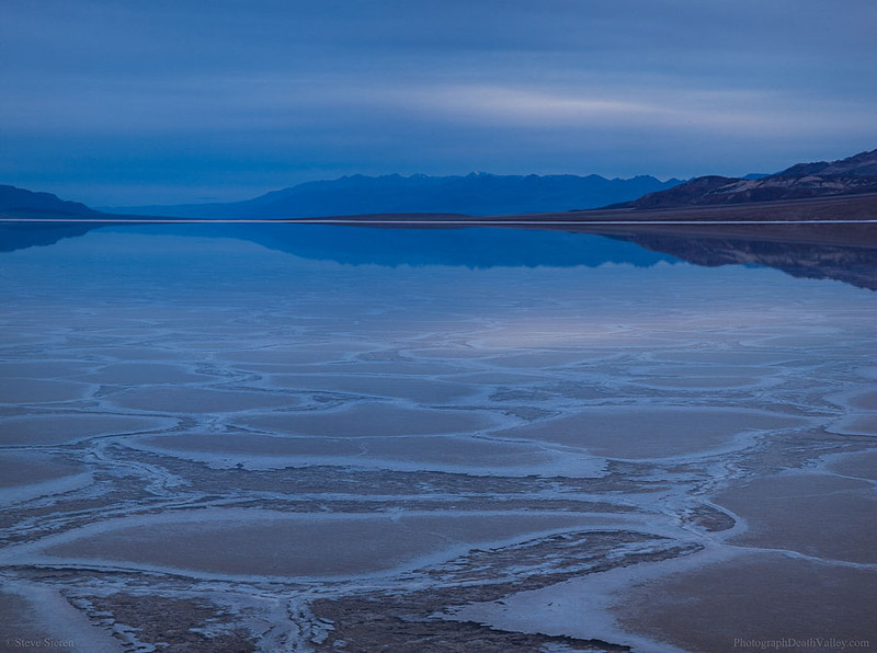 Death_Valley_Flooded_Panorama.jpg