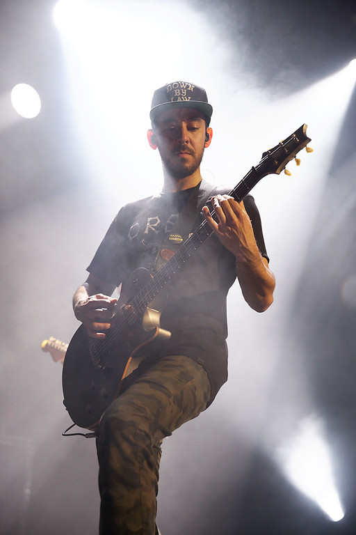 . Mike Shinoda of Linkin Park performs at DTE Energy Music Theatre on Aug. 30, 2014. Photo by Ken Settle