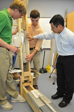 2009 Dr. Vo, Engineering Lab, Prosthetics Lab